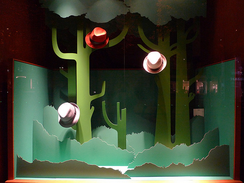 cactus decoupes vitrine Hermes 2009