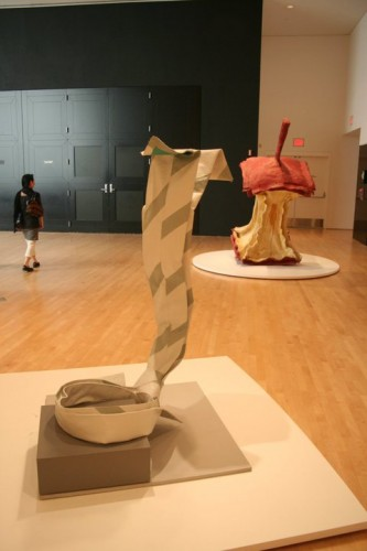 Claes_Oldenburg_sculpture_SF_Moma_2010