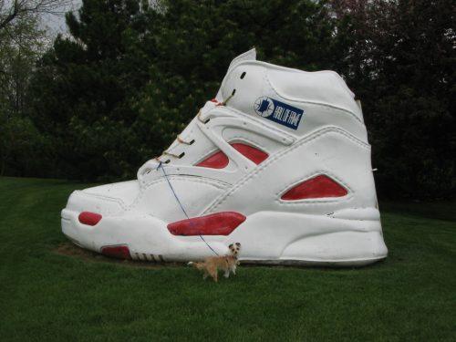 claes-oldenburg_shoes
