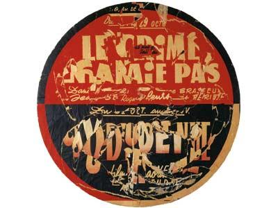 """Jacques Villeglé, """"Rue de Tolbiac, le crime ne paie pas"""", 26 octobre 1962, affiches lacérées marouflées sur contreplaqué (73x51 cm) - Collection Frac Bretagne"""