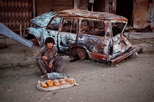 Steve McCurry, vendeur de pain, Kaboul, Afghanistan